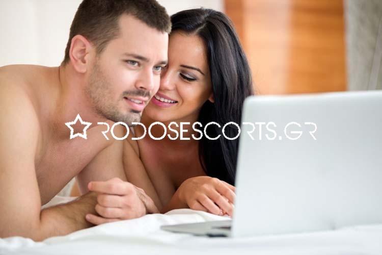 Γιατί τα ζευγάρια πρέπει να παρακολουθούν αισθησιακές ταινίες